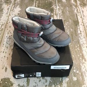 SOREL Whitney Short gray puffer boots size 10 41